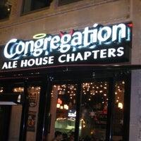 Photo prise au Congregation Ale House par LA Weekly le5/6/2013