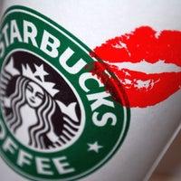 2/4/2013 tarihinde Onur U.ziyaretçi tarafından Starbucks'de çekilen fotoğraf