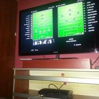 Das Foto wurde bei Marathon Playstation Cafe von Hasan K. am 1/23/2013 aufgenommen