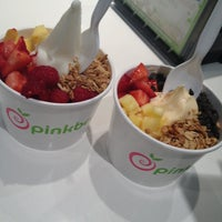 Photo taken at Pinkberry by Engrid S. on 1/11/2013