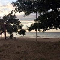 Photo taken at Пляж Сайнаволок by Kʌ†ɾhəɾiиə K. on 11/15/2017