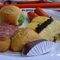 Foto tirada no(a) Giassi Supermercados por Amanda L. em 1/22/2013