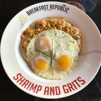 รูปภาพถ่ายที่ Breakfast Republic โดย Yasmin V. เมื่อ 4/18/2018