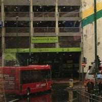 Foto tirada no(a) Broadmarsh Bus Station por Rony d. em 3/16/2013
