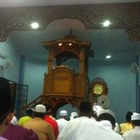 Photo taken at Masjid Kampung Melayu Kangkar Pulai by Nordin K. on 8/8/2013