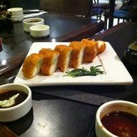Foto tomada en Sushi Roll por Ce H. el 2/1/2013