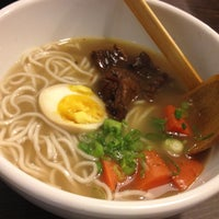Photo taken at Dong's Beef Noodles 董家台灣牛肉麵 by murolovebeer on 5/27/2012