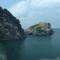 Photo taken at Hoynat Adası by Burak D. on 7/10/2013