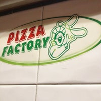 Photo taken at Pizza Factory by Ernesto V. on 1/20/2013