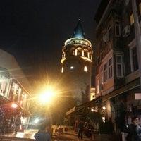Foto tomada en Torre de Gálata por Nurullah D. el 10/3/2013