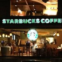 Photo taken at Starbucks by Hugo E. on 7/21/2013