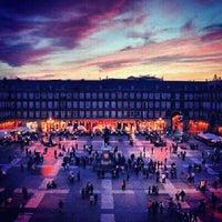 Foto tomada en Plaza Mayor por Lizzy L. el 6/4/2013