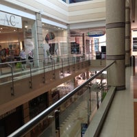 Photo taken at Centro Comercial Portal del Prado by Wiston V. on 4/28/2013