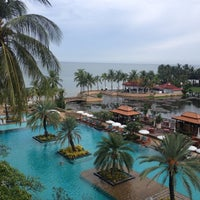 Photo taken at Dusit Thani Hua Hin by Poomy K. on 9/29/2012