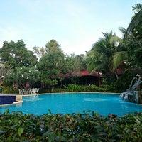 Photo taken at Blue Marine Resort by Mia Onanong ร. on 12/28/2014