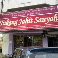 Photo taken at butik tukang jahit sauyah by Yazen R. on 4/13/2013