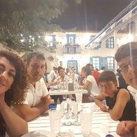 รูปภาพถ่ายที่ Mavi Pide โดย Çiğdem K. เมื่อ 8/2/2018