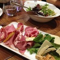 10/13/2013 tarihinde Ceren M.ziyaretçi tarafından Günaydın Kasap & Steakhouse'de çekilen fotoğraf
