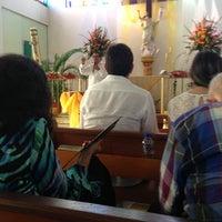 Photo taken at Iglesia cristo rey by Ricardo V. on 4/6/2013
