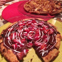 Photo taken at A Tal da Pizza by Isabella W. on 2/3/2013