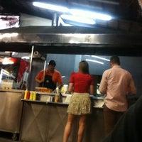 Foto tomada en Hot Dog's Oscarín por Javier L. el 2/11/2013