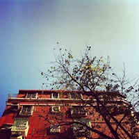 Photo taken at 瑞莉詩咖啡 by Jack L. on 12/7/2012