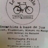 Foto tirada no(a) Le Vieux Vélo por Léa R. em 3/16/2013