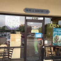 Photo taken at Tropical Smoothie Cafe by Rich L. on 3/24/2014