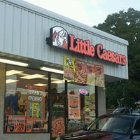 Photo taken at Little Caesars Pizza by Cera C. on 8/22/2012