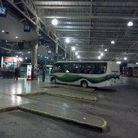 Foto tomada en Terminal de Buses San Borja por Alejandra V. el 1/19/2012
