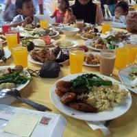 Photo taken at Kelab Darul Ehsan by Pidot A. on 8/20/2011