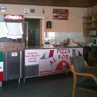 Photo taken at Pizza Al Forno by Hollabrunner on 8/22/2011