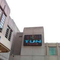 Photo taken at Tun Tavern Restaurant & Brewery by Rodney B. on 3/9/2012