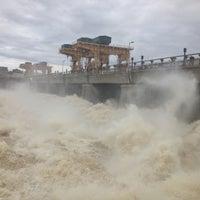 Снимок сделан в Плотина Иваньковской ГЭС пользователем Ирина Б. 4/21/2013
