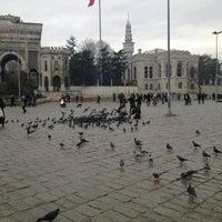 2/22/2013 tarihinde Barış Ç.ziyaretçi tarafından Beyazıt Meydanı'de çekilen fotoğraf