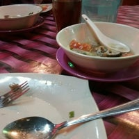 Photo taken at Kedai Makan Dada Tomyam Sup Belut by Abdul H. on 3/2/2017