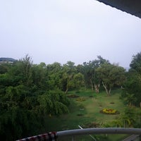 Photo taken at Beach Garden Hotel Cha-am by Phet I. on 10/17/2012