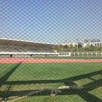 รูปภาพถ่ายที่ İTÜ Stadyumu โดย Vahdet L. เมื่อ 4/25/2013