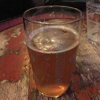 Das Foto wurde bei The London Beer House von James D. am 12/12/2017 aufgenommen