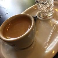Foto tomada en Cafe do Ponto por Walter Arthur N. el 10/10/2017