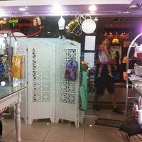 Foto tirada no(a) Shopping Icaraí por Stella D. em 2/2/2013
