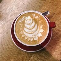 Foto scattata a 9Bar Coffee da Edith O. il 1/8/2018