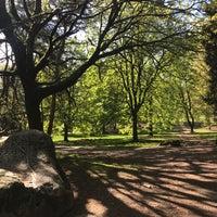 Das Foto wurde bei Woodland Park von Zoe am 4/21/2018 aufgenommen
