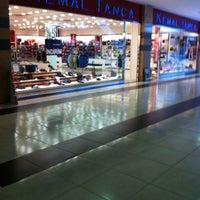 4/23/2013 tarihinde Ömer A.ziyaretçi tarafından Cevahir Outlet Alışveriş Merkezi'de çekilen fotoğraf
