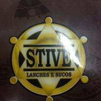 Photo taken at Stive lanches e sucos by Abmael C. on 8/24/2014