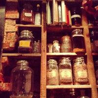 Das Foto wurde bei Bar Pilar von Emily T. am 1/27/2013 aufgenommen
