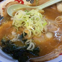 Photo taken at 麺や by ブルゾン ほ. on 5/16/2015