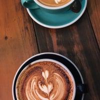 Снимок сделан в Coffee Iconic пользователем Yara A. 7/17/2018