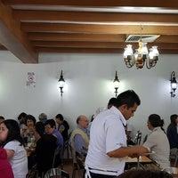 Foto tomada en Tacos Providencia por Alejandro L. el 3/25/2018