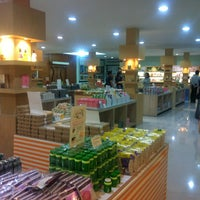 Photo taken at Very & Vary Natural Cosmetics & Food Shop by Kate F. on 6/5/2013